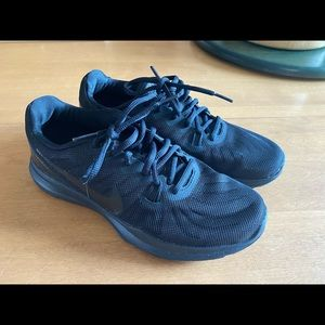 Nike All Black Running Sneaker